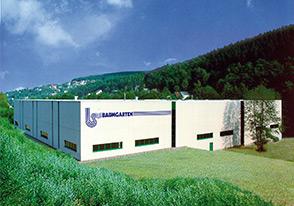 BAUMGARTEN Ist Seit Mehr Als Fünfzig Jahren Für Die Industrie Ein Zuverlässiger Lieferant Von Gestanzten, Gezogenen Und Gepressten Formteilen.